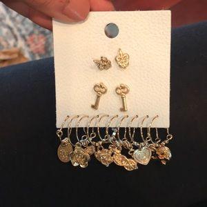 Free people earring set